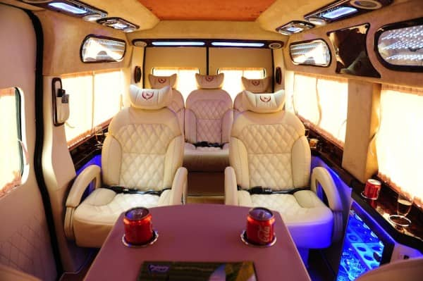 Ford Transit Limousine trung cấp