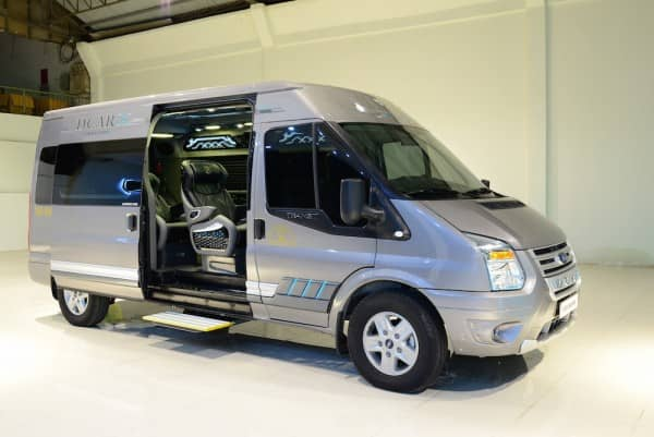 Ford Transit Limousine cơ bản